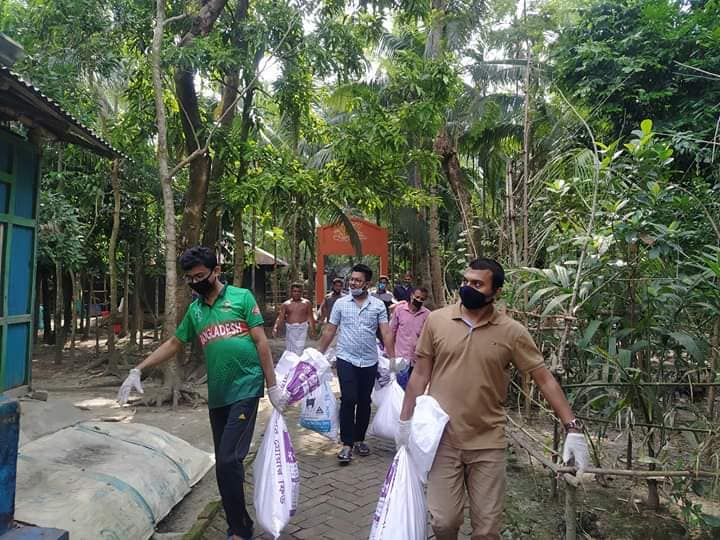 Corona Pandamic Food Supply For Helpless People in Rudrorampur, Chatkhil, Noakhali: Photo 9