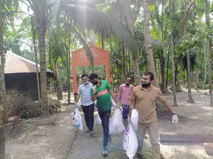 Corona Pandamic Food Supply For Helpless People in Rudrorampur, Chatkhil, Noakhali: Photo 8