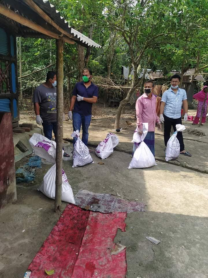Corona Pandamic Food Supply For Helpless People in Rudrorampur, Chatkhil, Noakhali: Photo 3